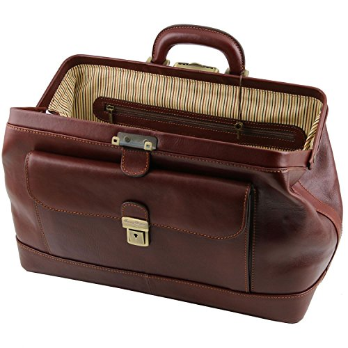 Tuscany Leather Doctor's Leather Bag has a neat, fabric-lined interior. Its dimensions are 16.5 x 40 x 23.5 cm.
